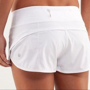 Lululemon gotta hot short 2.5""